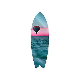 Unenomaiset pilvet surffilaudalla