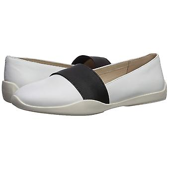 Kenneth Cole New York Women's Vida Elastic Slip on Sneaker