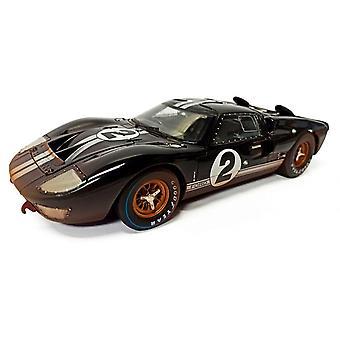 Ford GT40 Mk II Bruce Mclaren - Chris Amon (Le Mans 24Hrs 1st Place Post-Race Dirty Version) Diecast Model