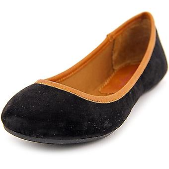 Womens Cellia American Rag Round Toe Ballet Flats