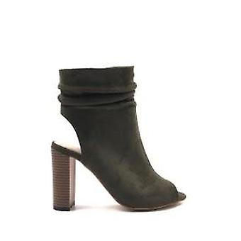 Slouched ankle boot