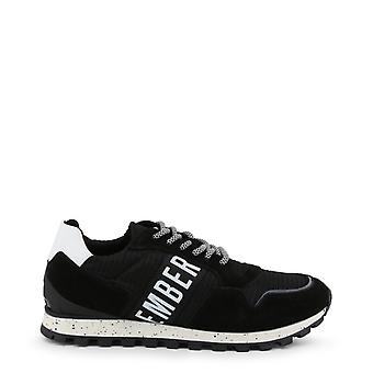 Man rubber sneakers shoes b13559