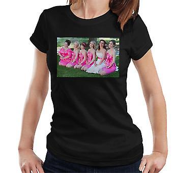 Brudtärnor Brudar Brudfest Foto knästående på gräsmatta kvinnor's T-shirt