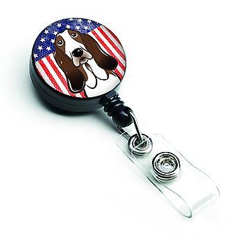Caroline Schätze amerikanische Flagge und Basset Hound versenkbare Abzeichen Reel, multicolor (Bb2173Br)