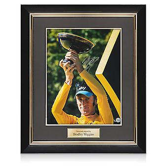 Bradley Wiggins Ondertekend Cycling Photo: 2012 Tour de France Winnaar. Framed