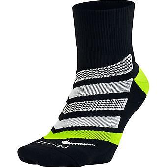 Το μαξιλάρι του Nike DRI-FIT, δυναμική αψίδα QTR κάλτσα