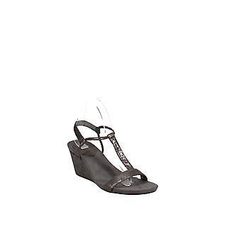 Tyyli ja | Mulan kiila sandaalit