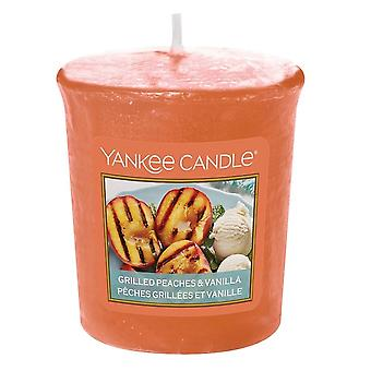 Yankee Candle Votive Candle Grilled Peaches & Vanilla