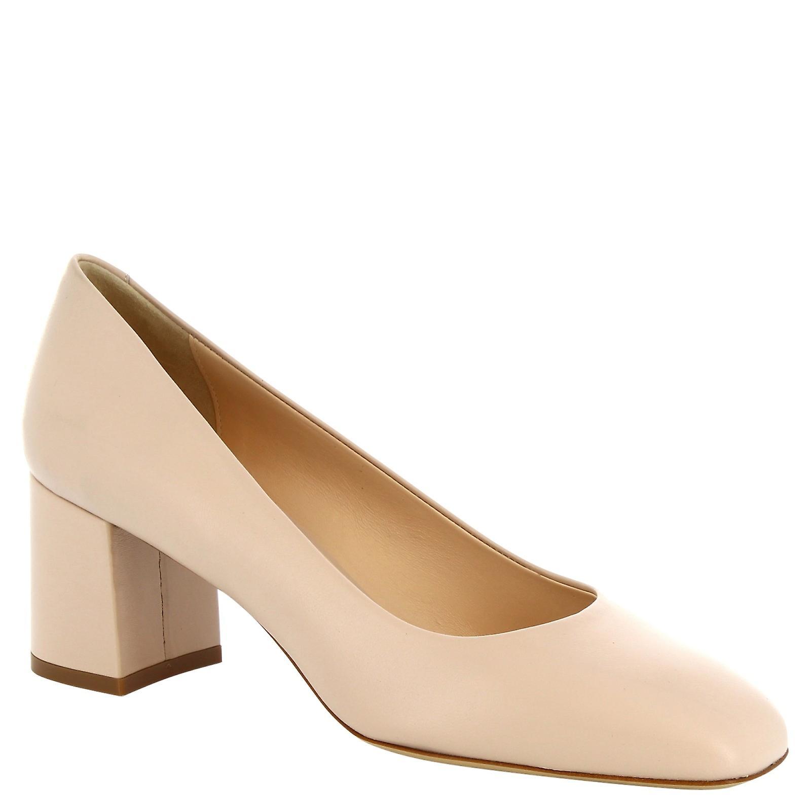 Leonardo Shoes Women's handmade squared toe pumps in beige calf leather eNgWZ
