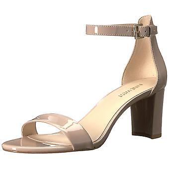 Yhdeksän West naista Pruce synteettinen kallistuneen sandaalit