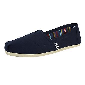 Toms men's navy classic canvas shoes