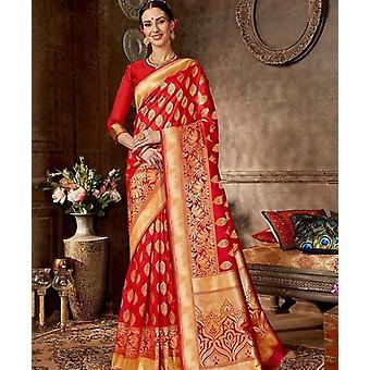 Perinteinen Intialainen Sari, Toppi hame mekot