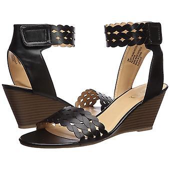 XOXO Women's Scottsburg Wedge Sandal