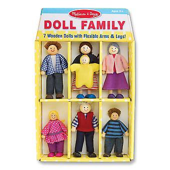 Familia de muñecas de madera