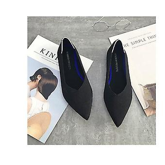 Breathable Knit Pointed Shoes