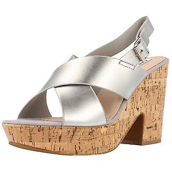 Chika10 zilverkleurige Bachata sandalen