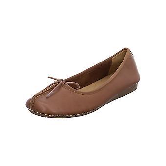 Clarks Freckle Ice Trend 203529304 uniwersalne przez cały rok buty damskie