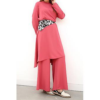 Traje de hiyab con collar