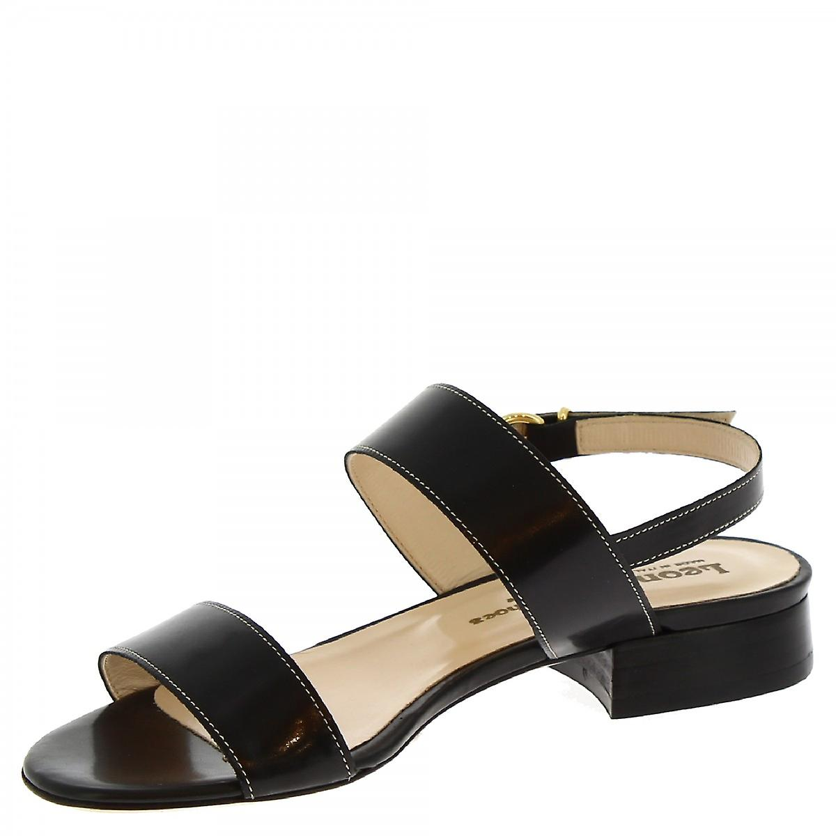 Leonardo Shoes Women's handmade low heels sandals black leather buckle closure