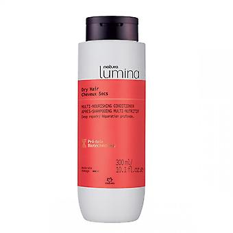 After shampooing Dry Hair - Lumina