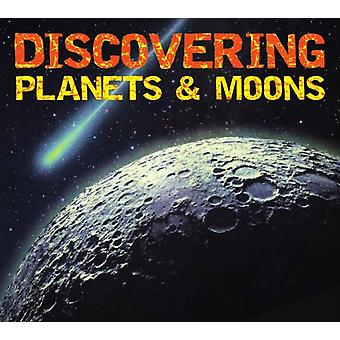 Discover Planets and Moons by Applesauce Press