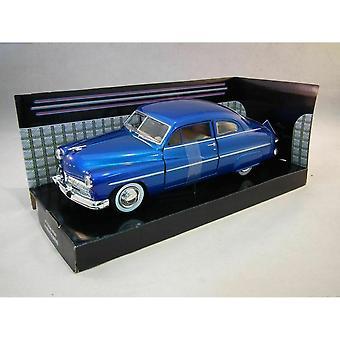 MotorMax American Classics-1949 kwik Coupe blauw 1:24