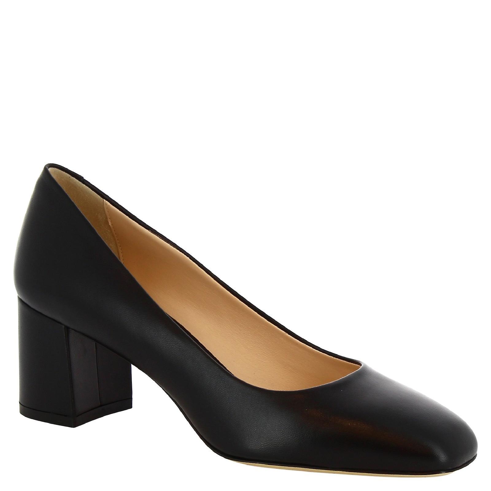 Leonardo Shoes Women's handmade square toe pumps in black calf leather